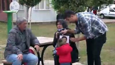 Oğlunun kazada öldüğü yola ilk kez gelen annenin acı feryadı