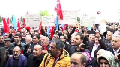 ulfet -  AK Parti belediye başkan adayına miting havasında karşılama