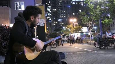 İsrailli Tom'un hayali Selda Bağcan'a saz çalmak (2) - TEL AVİV