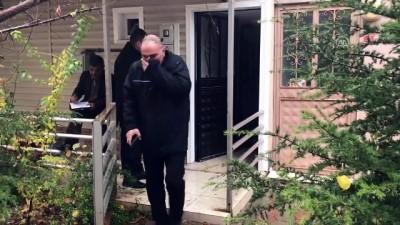 'Çöp ev'de hapis kalan köpek kurtarıldı - ESKİŞEHİR