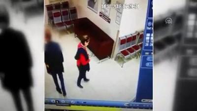 İzmir'de kadın çantası hırsızı yakalandı