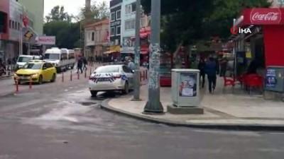 Trafik polisine trafik cezası... Emniyetten kaldırıma park eden resmi trafik aracı açıklaması