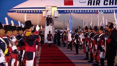 - Askeri Bando Çinli Diplomatı Devlet Başkanı Jinping Sandı