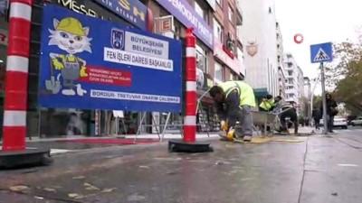 Başkent'teki sarı çizgiler değişiyor...Yeni yapılacak iz yolları, hava şartlarına dayanıklı beton malzemeden üretilecek