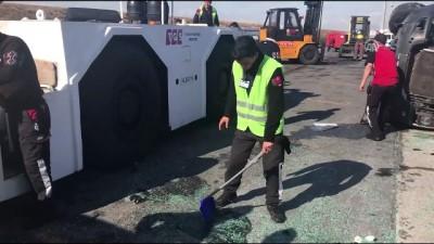 Atatürk Havalimanı'nda servis araçları çarpıştı (3) - İSTANBUL