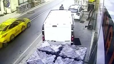 Beykoz'daki hırsızlık güvenlik kamerasında - İSTANBUL