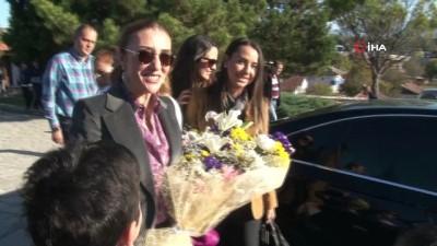 Kültür ve Turizm Bakanı Mehmet Nuri Ersoy'un eşi Safranbolu'yu gezdi