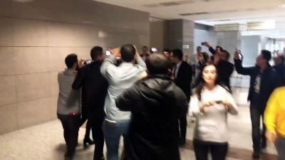 (TEKRAR) Oyuncu Ahmet Kural ifade için adliyede (2) - İSTANBUL
