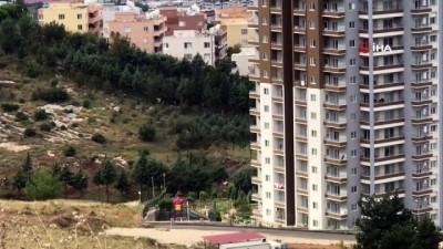 12. kattan düşen minik Elif hayatını kaybetti