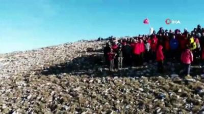 Dağcılardan vefa tırmanışı... Uludağ havadan görüntülendi
