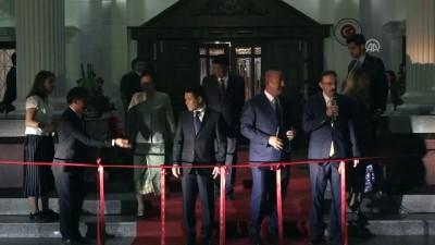 acilis toreni - Dışişleri Bakanı Çavuşoğlu, Viyentiyan Büyükelçiliği hizmet binası açılışında - LAOS