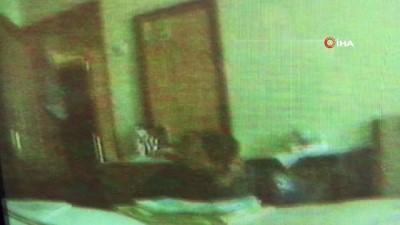Eski ev sahibinin evini soyan hırsızlık zanlısı gizli kameraya yakalandı