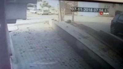 Hatay'da minibüsün çarptığı çocuklardan 1'i ölmüş, 1'i yaralı olarak kurtarılmıştı... O anların güvenlik kamera görüntüleri ortaya çıktı