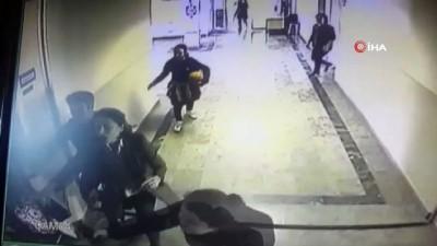 Üsküdar'da beden eğitim öğretmenine silahlı saldırı anı kamerada