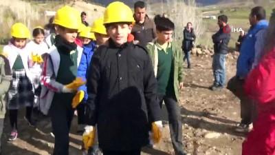 Bingöl'de öğrenciler, arkeolojik kazı yaptı