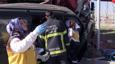 Trafik kazası: 1 ölü, 2 yaralı - KÜTAHYA