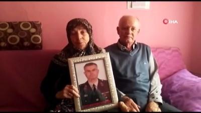 Ercan Kurt'un anne ve babası, oğullarını şehit eden teröristin öldürülmesiyle ilgili konuştu: 'Benim evladımın katilini yok etmişler. Ben nasıl yandıysam onun ailesi de öyle yansın'