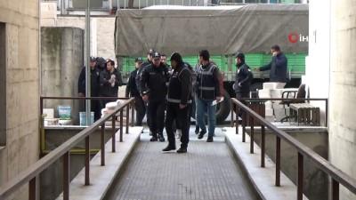 Kasko ve sigorta şirketlerini dolandırdıkları iddiasıyla gözaltına alınan 22 şahıs adliyeye sevk edildi