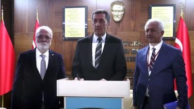Milli Eğitim Bakanı Selçuk, öğrencilerle bir araya geldi - KAYSERİ
