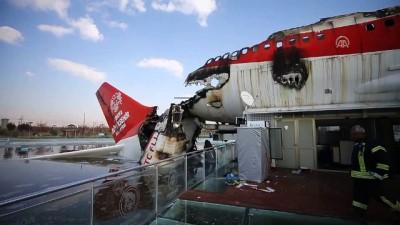 Yanan uçak restoranda inceleme sürüyor - KONYA