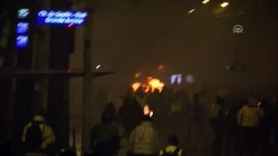 Fransa'da polisle göstericiler arasındaki çatışma şiddetlendi (2) - PARİS