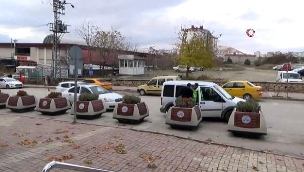 dolandiricilik -  90 bin TL'lik kapı dolandırıcılığında 2 şüpheli tutuklandı