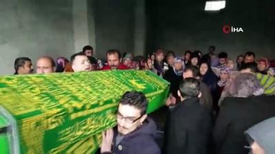 Aile faciasının kurbanları defnedildi
