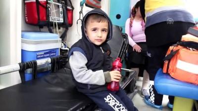 Engelli çocukları taşıyan servis minibüsü devrildi: 6 yaralı - ADANA