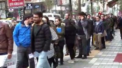 itfaiye eri -  Trabzon Büyükşehir Belediyesi'ne personel alımları için yapılan başvurularda uzun kuyruklar oluştu