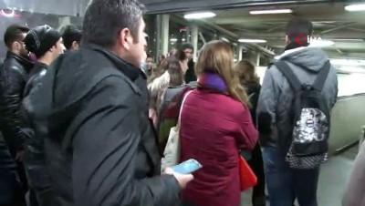 Marmaray'da teknik arızadan dolayı seferler yapılamıyor