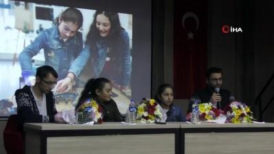 ozel okullar -  Çin'den dönen Ardahanlı kızlar, çiçeklerle karşılandı
