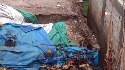Şiddetli yağış evi yıktı