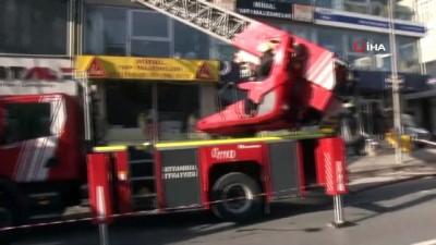 Esenyurt'ta iş yeri deposunda yangın