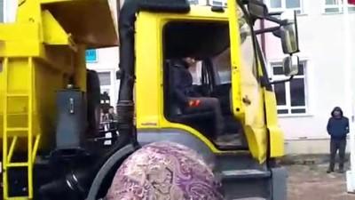 Özel öğrenci Burak'ın 'kamyon' sevinci - SİVAS