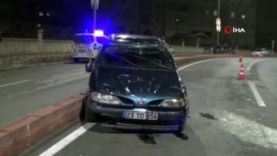 direksiyon -  Kaza yapan sürücü otomobili bırakıp kaçtı