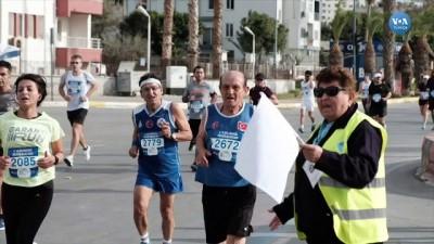 uluslararasi - Mersin 'Engelleri Aşmak' İçin Koştu