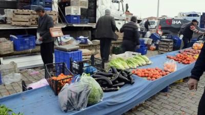 Patlıcanın fiyatı cep yakıyor...Vatandaşlar pazardaki patlıcan fiyatlarından şikâyetçi