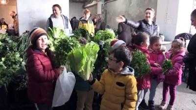 ogrenciler - Anaokulu öğrencileri pazarda satış yaptı - ARTVİN