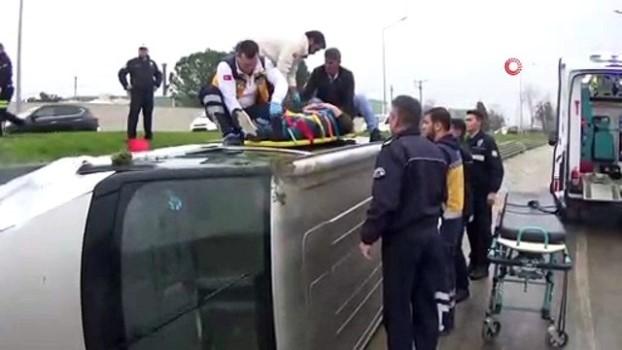 direksiyon -  Minibüs su kanalına uçtu: 1 yaralı