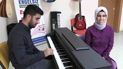 ogrenciler - 'Mutlak kulak' Nurcihan'ın müzik başarısı şaşırtıyor - VAN