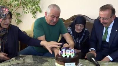 Asırlık nine ilk kez doğum günü pastası kesti - NEVŞEHİR