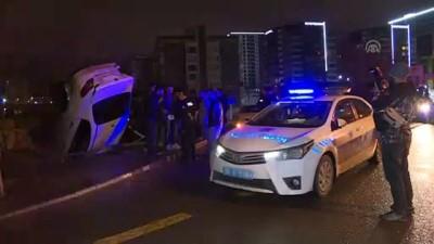 Başkentte otomobilin çarptığı araç devrildi - ANKARA Video