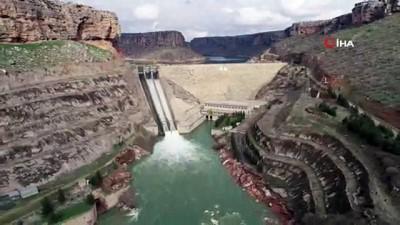 Dicle Barajı'nın kırılan kapağının yenilenme işlemi tamamlandı