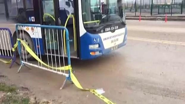darbe girisimi - Otobüs, gazi ve avukatlara çarptı: 3 yaralı - ANKARA