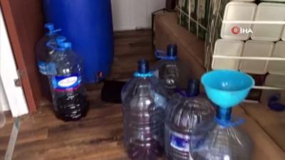 Çanakkale'de kaçak içki operasyonu: 702 litre şarap, 133 litre votka, 7 litre rakı ele geçirildi