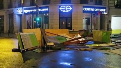 - Paris'te Sokaklar Savaş Alanına Döndü - 133 Kişinin Yaralandığı Gösterilerde 412 Eylemci Gözaltına Alındı