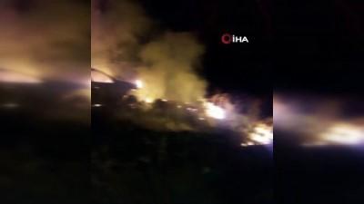 Şarampole kayan aracını çıkarmak için patinaj yapan sürücü önce aracı sonra ormanı yaktı