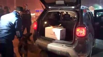 Adana'da yılbaşı öncesi huzur uygulaması...Aranması olan 18 şahıs yakalandı