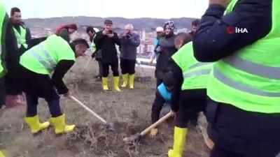 Çankırı Belediyesi bin 500 fidanı toprakla buluşturdu