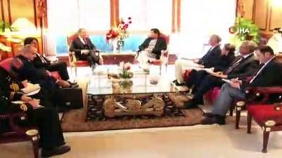 - Milli Savunma Bakanı Akar, Pakistan Başbakanı Khan ile görüştü